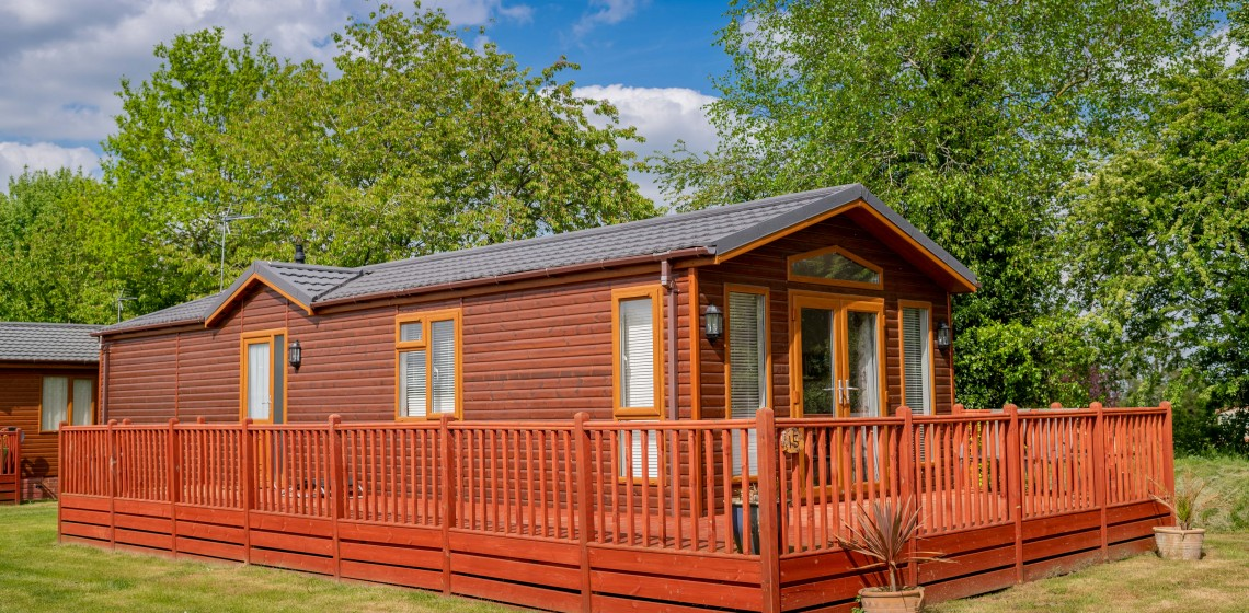 236 YAXHAM WATERS LODGES 2018