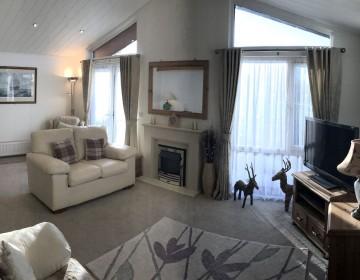 Large Luxury Detached Lodge 14