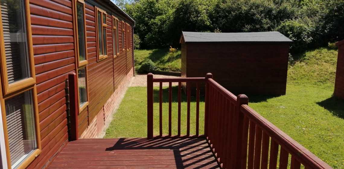 Omar Southwold 43/14 Corner pitch with a double sided veranda